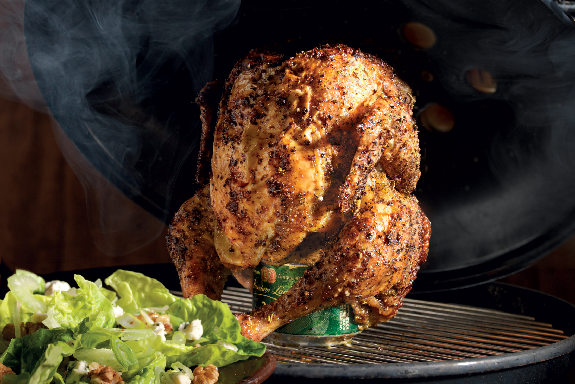 Beer Can Chicken – ølkylling med roquefort salat