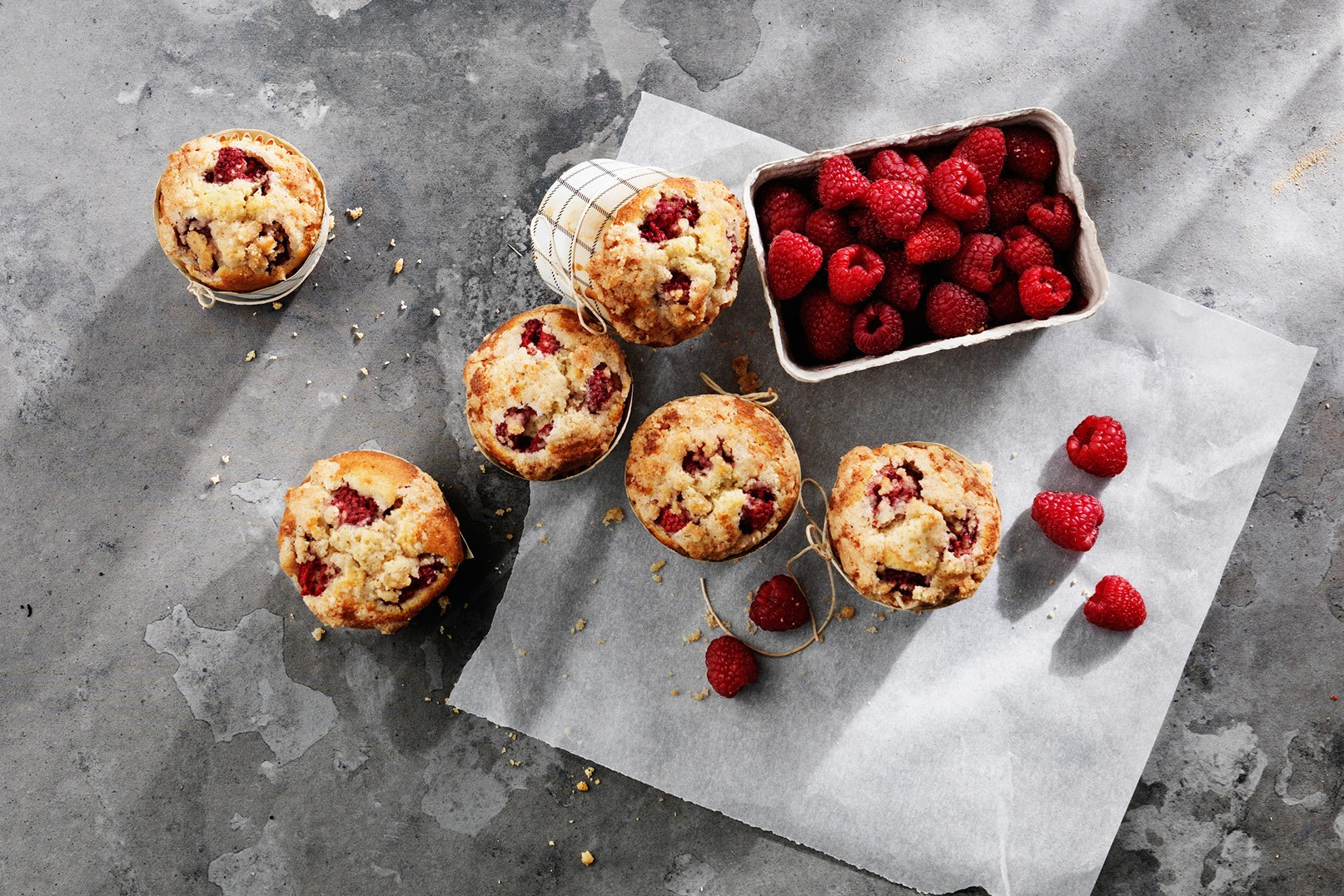 Cardamom Muffins with Raspberries, Custard & Crumble Topping