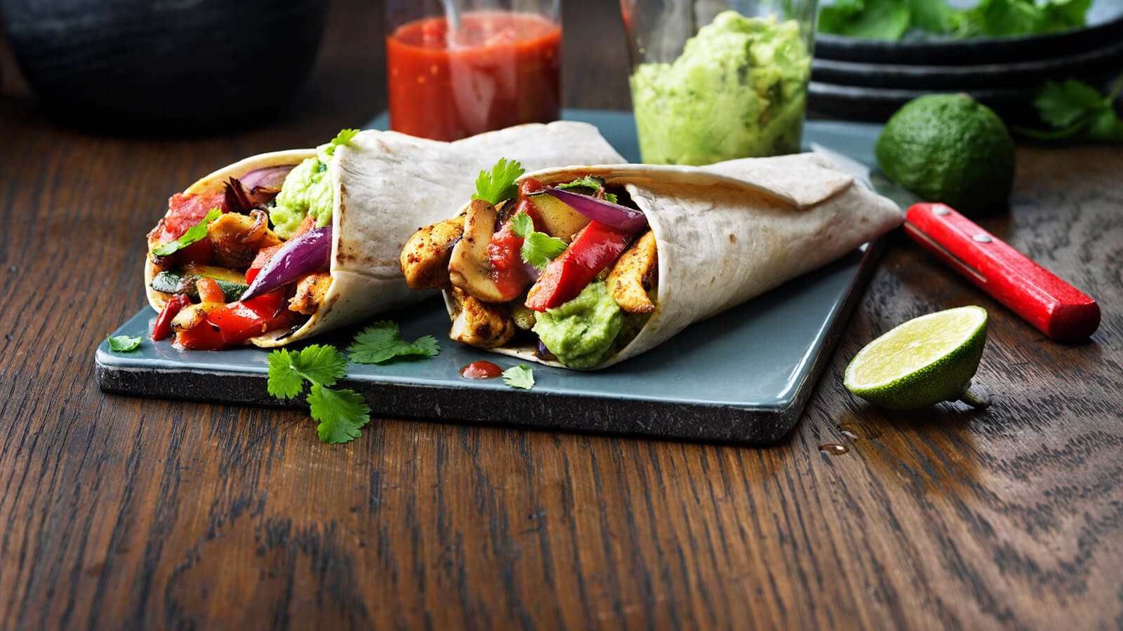 Fajita wraps with chicken and lots of vegetables