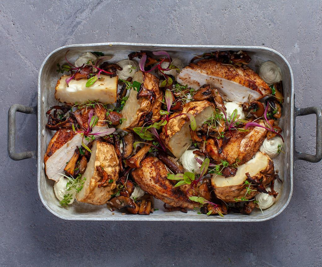 Oven tray with celeriac, chicken and mushrooms