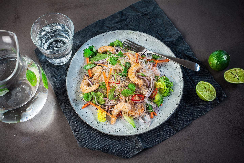 Vietnamesisk Salat Med Rejer Og Glasnudler Opskrift Fra Santa Maria