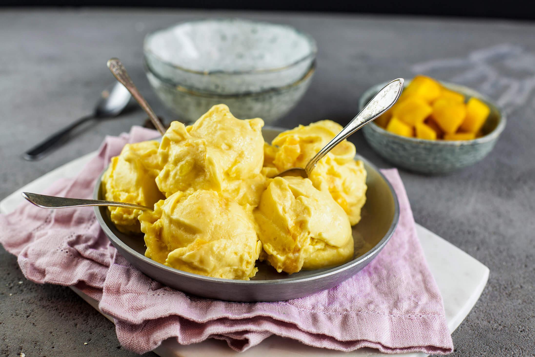 glass med kokosgrädde
