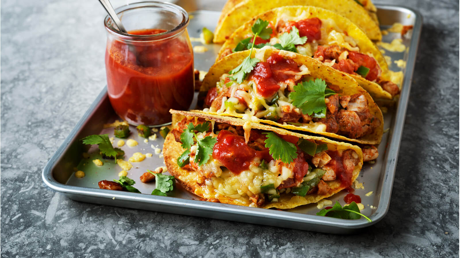 Gratinated tacos on a tray