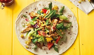 Cajun Chicken Wrap med sukkermajs og Hot Salsa