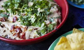 Queso Fundido med bacon